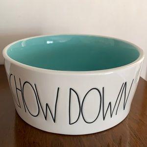 🆕 Rae Dunn Chow Down Dog Dish Bowl Feeder NWOT